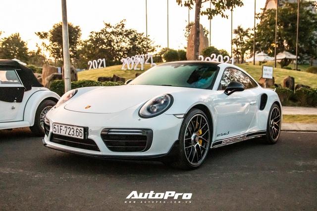Doanh nhân Đặng Lê Nguyên Vũ trưng dàn xe hơn 100 tỷ đồng: Bộ sưu tập Porsche 911 và Mercedes SLS AMG khiến dân chơi xe phải kính nể - Ảnh 7.
