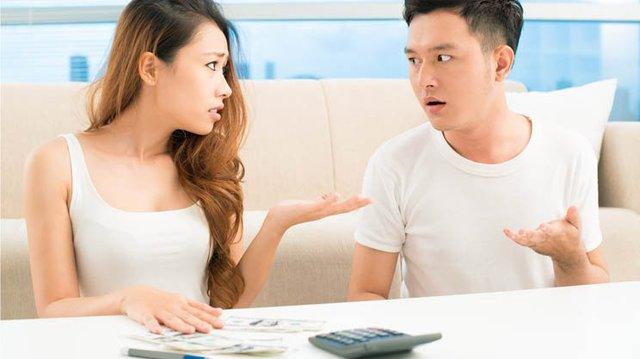 8 sai lầm trong quản lý kinh tế gia đình khiến tài chính ngày một hao hụt - Ảnh 3.