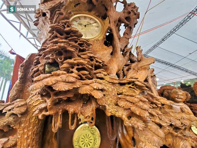 Ngắm bộ bàn ghế gỗ nu Cửu lân quần tụ nặng 4 tấn, dát vàng, giá 2,8 tỷ cho đại gia Việt - Ảnh 9.
