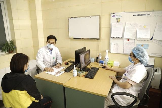 Năm 2020, hơn 122 nghìn người Việt tử vong vì ung thư: Lý giải thực trạng tỷ lệ mắc ung thư tại Việt Nam gia tăng - Ảnh 1.