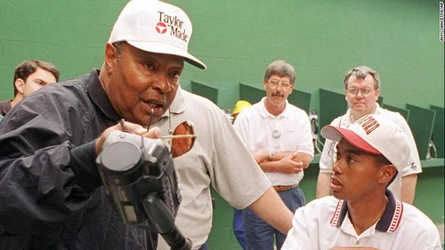 Hàng loạt bí ẩn đời tư động trời của Tiger Woods được hé lộ trong bộ phim tài liệu mới nhất: Siêu hổ làng golf không hoàn hảo như người ta vẫn nghĩ - Ảnh 2.