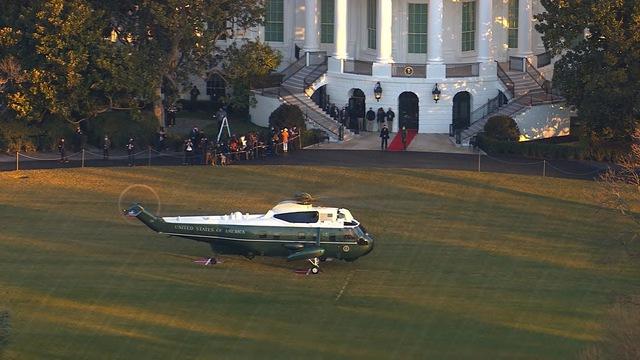 Tổng thống Trump lên Air Force One lần cuối, rời Washington D.C về làm thường dân - Ảnh 5.