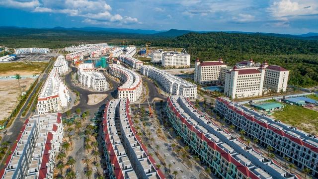 Cận cảnh đại dự án lớn nhất Phú Quốc trước ngày khai trương - Ảnh 2.