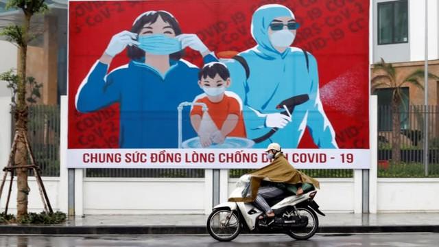 Nikkei Asia: Thu nhập bình quân vượt Philippines, GDP vượt Singapore - Đây là khoảnh khắc bứt phá của Việt Nam! - Ảnh 1.