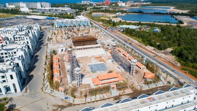 Cận cảnh đại dự án lớn nhất Phú Quốc trước ngày khai trương - Ảnh 10.