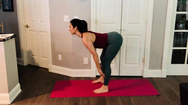 Yoga không chỉ dành cho người dẻo dai: Biết cách sửa đổi các tư thế phổ biến khi cơ thể không thể uyển chuyển linh hoạt, bạn sẽ nhận được kết quả bất ngờ - Ảnh 6.