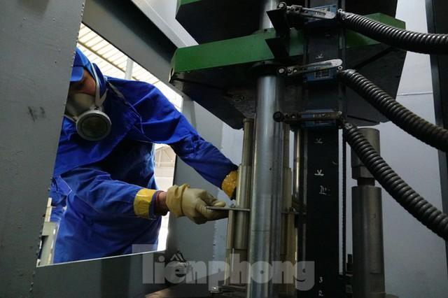 Khám phá nhà máy sản xuất pháo hoa duy nhất được cấp phép tại Việt Nam  - Ảnh 7.
