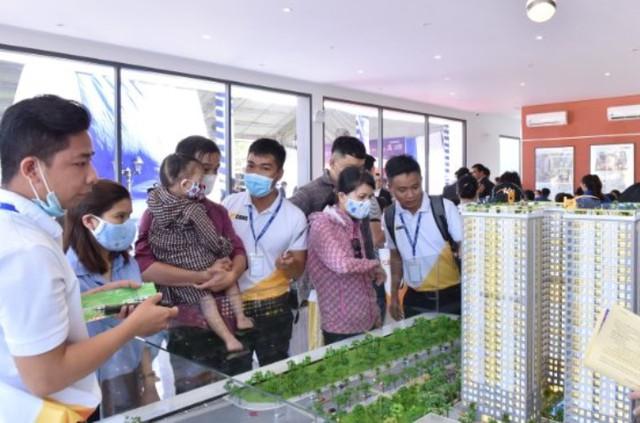 Nhiều doanh nghiệp địa ốc chạy đua tuyển dụng môi giới cho năm 2021 - Ảnh 1.