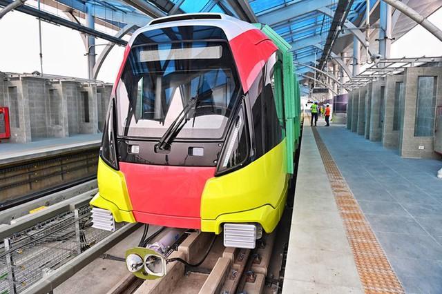 Lộ diện tàu metro Nhổn - ga Hà Nội lăn bánh - Ảnh 2.
