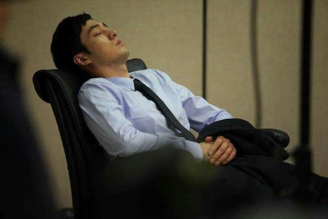 Nam giới thận khỏe mạnh thường có 4 thói quen tốt trước khi ngủ, chỉ cần sở hữu 1 đến 2 cái cũng chứng tỏ thận của bạn đang rất cường tráng - Ảnh 1.