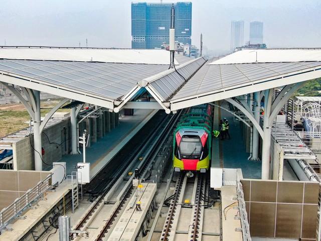 Lộ diện tàu metro Nhổn - ga Hà Nội lăn bánh - Ảnh 11.