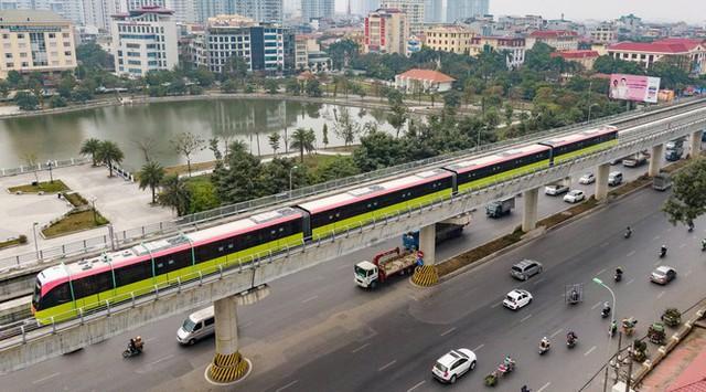 Lộ diện tàu metro Nhổn - ga Hà Nội lăn bánh - Ảnh 6.