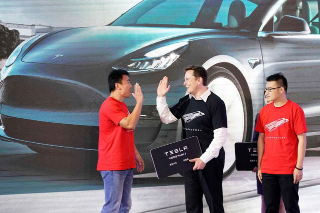 Tài tình như Elon Musk: Siêu nhà máy được chính phủ Trung Quốc ưu ái chưa từng thấy, xe bán đắt như tôm tươi, Tesla chỉ mất vài năm đã đạt được những gì các công ty ô tô mất vài chục năm mới làm được ở Trung Quốc - Ảnh 3.