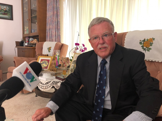 Giáo sư Carl Thayer: Đảng Cộng sản giúp Việt Nam giữ vững ổn định chính trị  - Ảnh 1.