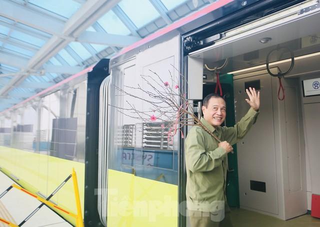 Có gì bên trong đoàn tàu metro Nhổn - ga Hà Nội? - Ảnh 14.