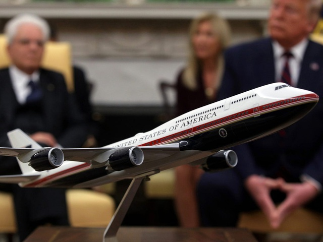 Chuyên cơ Air Force One mới cứng của Tổng thống Biden có gì đặc biệt? - Ảnh 3.