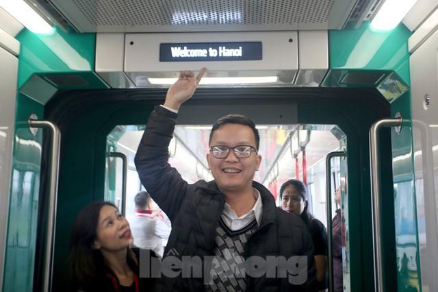 Có gì bên trong đoàn tàu metro Nhổn - ga Hà Nội? - Ảnh 5.