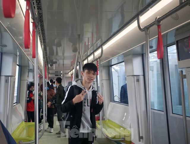 Có gì bên trong đoàn tàu metro Nhổn - ga Hà Nội? - Ảnh 9.