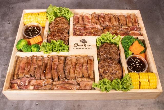 Những món ăn bán với mức giá hú hồn ngay tại Việt Nam: Phở chọc trời đã là gì so với hộp cơm văn phòng giá 29 triệu - Ảnh 1.
