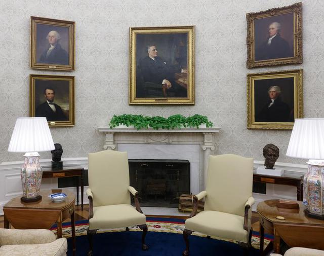 Bài trí Nhà Trắng thay đổi thế nào dưới thời Biden - Ảnh 3.