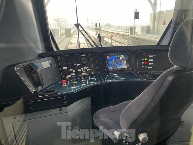 Nội thất hiện đại của tàu tuyến metro Nhổn - ga Hà Nội - Ảnh 3.