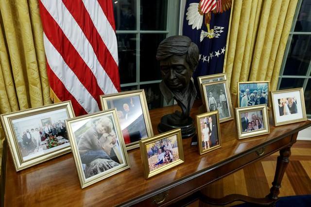 Bài trí Nhà Trắng thay đổi thế nào dưới thời Biden - Ảnh 4.