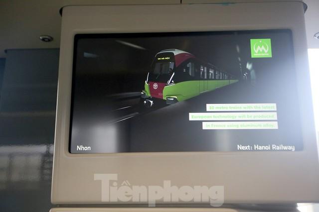 Nội thất hiện đại của tàu tuyến metro Nhổn - ga Hà Nội - Ảnh 9.