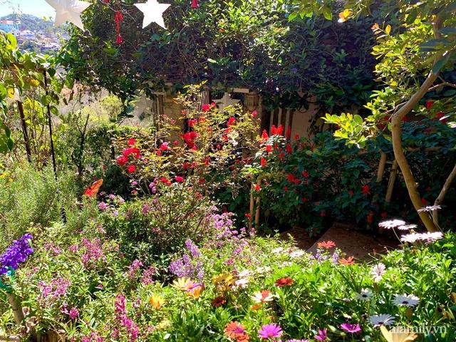 Ngôi nhà nhỏ yên bình sở hữu khu vườn đẹp như xứ sở thần tiên giữa lưng chừng đồi ở Đà Lạt - Ảnh 6.