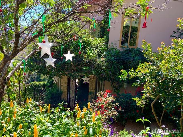 Ngôi nhà nhỏ yên bình sở hữu khu vườn đẹp như xứ sở thần tiên giữa lưng chừng đồi ở Đà Lạt - Ảnh 8.
