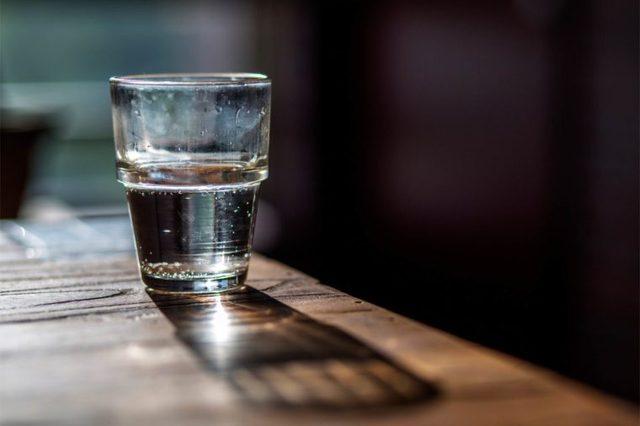 Thận trọng với các nguồn nước xung quanh bạn, đừng vì một chút dễ dãi mà rước bệnh vào thân - Ảnh 1.