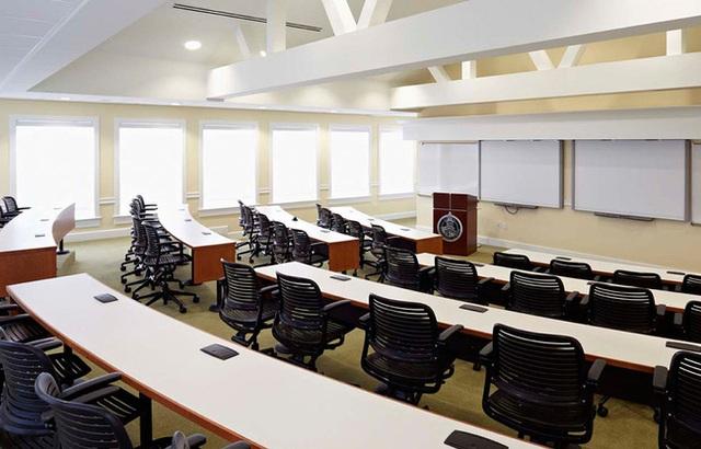 Chùm ảnh ngôi trường Barron Trump theo học sau khi rời Nhà Trắng: Chương trình dạy đỉnh cao, học phí xứng tầm con nhà tỷ phú - Ảnh 8.