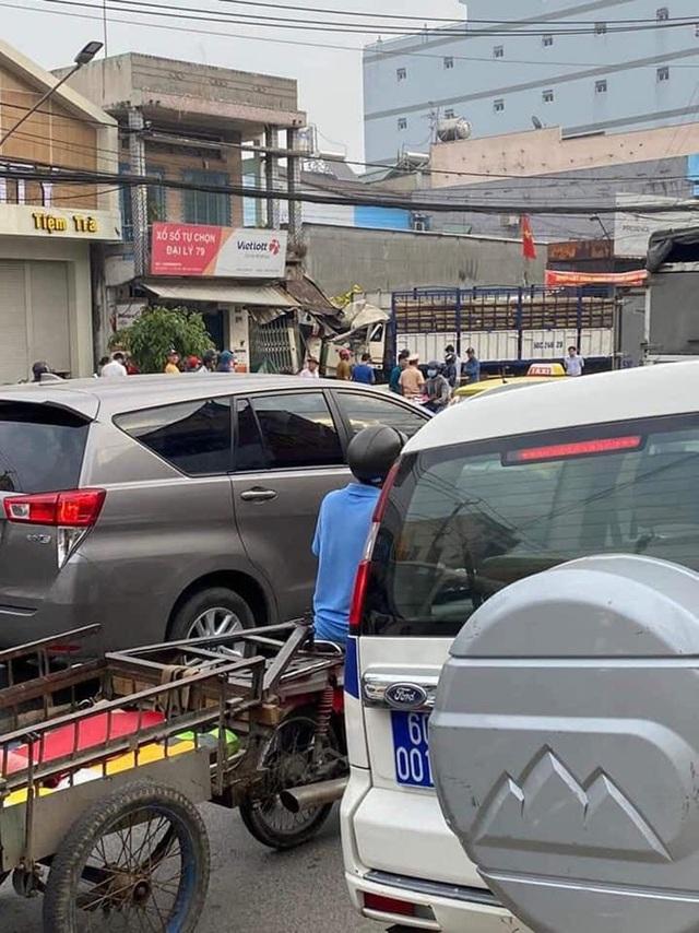 CLIP: Tai nạn kinh hoàng ở Biên Hòa, người và xe nằm la liệt  - Ảnh 9.