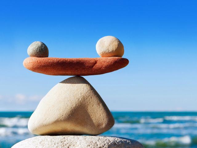 Ở đời có 5 quy luật, ai hiểu được sẽ hưởng lợi cả đời: Tránh xa tai ương, cuộc sống an yên, tự tại - Ảnh 1.