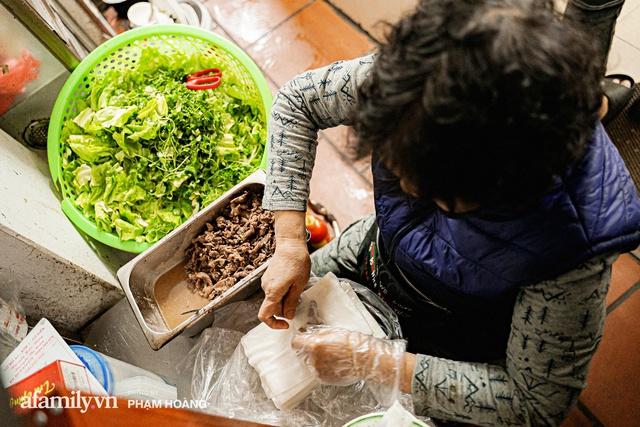 Về làng Ngũ Xã xưa tìm mẹ đẻ của món phở cuốn - mới khai sinh tròn 20 năm mà nay đã thành tinh hoa ẩm thực vang danh cả nước ngoài - Ảnh 4.