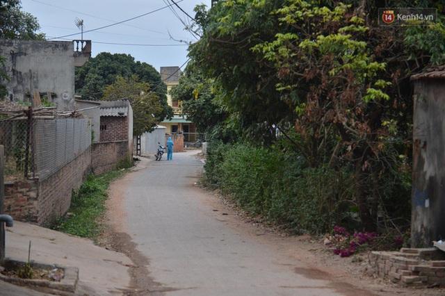 Ảnh: Phong tỏa 1 thôn ở Hải Dương, giãn cách xã hội 1 xã liên quan đến nữ công nhân dương tính Covid-19 - Ảnh 7.