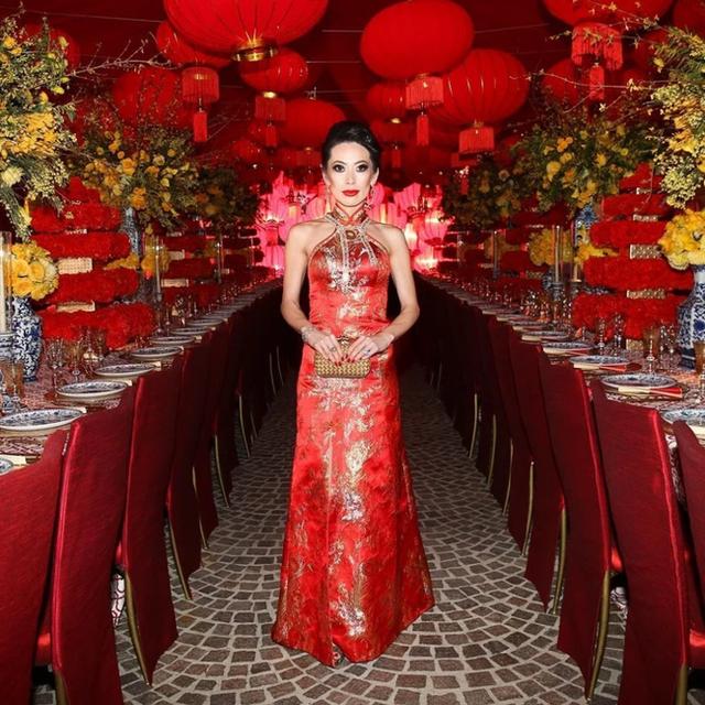 Nữ hoàng thời trang đanh đá nhất series giới siêu giàu châu Á của Netflix: Sống giữa núi hàng hiệu, công khai cà khịa người nổi tiếng vì mặc váy đụng hàng - Ảnh 7.