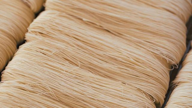 Tết - Điều thú vị có 1-0-2 về cách là món mì trứ danh Trung Quốc: Mỗi bát chỉ có một sợi, người ăn được sợi mì càng dài thì càng trường thọ - Ảnh 2.