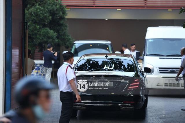 Rolls-Royce, McLaren, Maybach và dàn siêu xe của Phan Thành đồng loạt dán chữ hỷ chuẩn bị rước dâu - Ảnh 7.