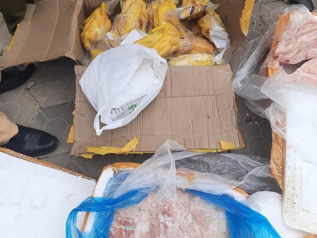 Bắt giữ xe vận chuyển hơn 5 tấn thực vật không rõ nguồn gốc từ Quảng Ninh đi tiêu thụ - Ảnh 1.