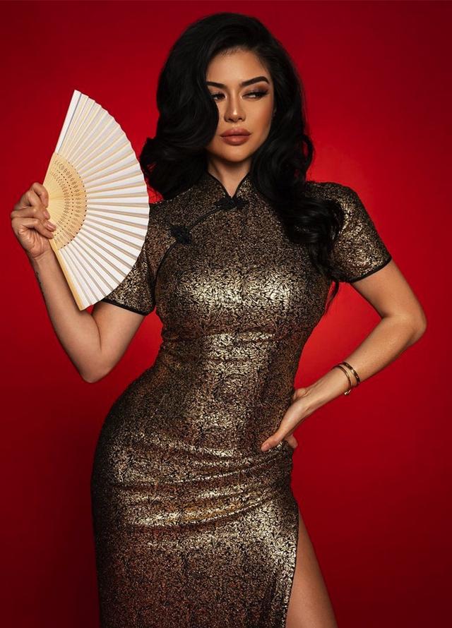 Mỹ nhân gốc Việt gây sốt trong series về giới siêu giàu của Netflix: Gu thời trang bỏng mắt cùng cuộc sống vương giả, được mệnh danh là Kim Kardashian châu Á - Ảnh 2.