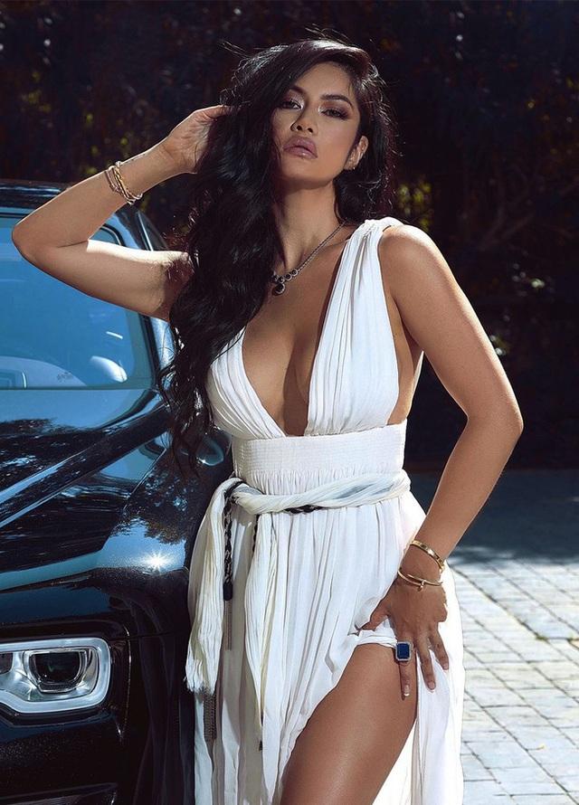 Mỹ nhân gốc Việt gây sốt trong series về giới siêu giàu của Netflix: Gu thời trang bỏng mắt cùng cuộc sống vương giả, được mệnh danh là Kim Kardashian châu Á - Ảnh 5.