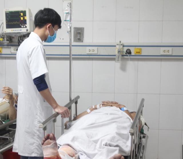 Vụ rơi thang máy tại công trình Sở Tài chính Nghệ An: Thêm nạn nhân thứ 3 tử vong  - Ảnh 1.