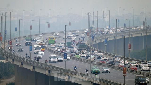 Cầu Nhật Tân thất thủ trong ngày cuối nghỉ Tết Dương lịch - Ảnh 1.