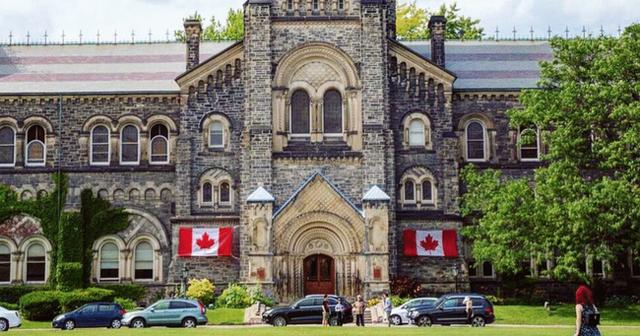 Chuyên gia người Việt gợi ý 10 trường đại học tốt nhất Canada, cảnh báo lấy bằng tốt nghiệp ở ngôi trường ma như xây nhà vật liệu dởm - Ảnh 1.