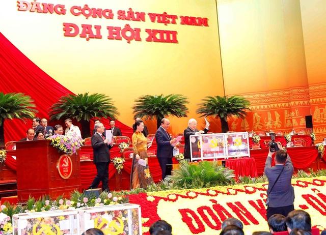 Ngày mai 31-1, Trung ương khóa XIII bầu Bộ Chính trị, Tổng Bí thư - Ảnh 1.
