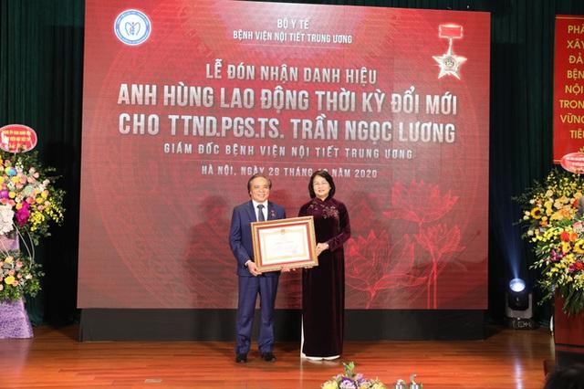Gặp mặt vị bác sĩ đặt dấu ấn Việt trên bản đồ y khoa thế giới - Ảnh 11.