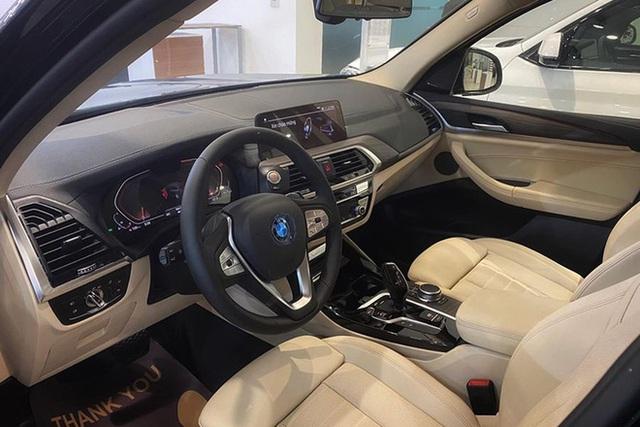 BMW X3 đua option với Mercedes-Benz GLC tại Việt Nam, giá tăng cả trăm triệu đồng - Ảnh 4.