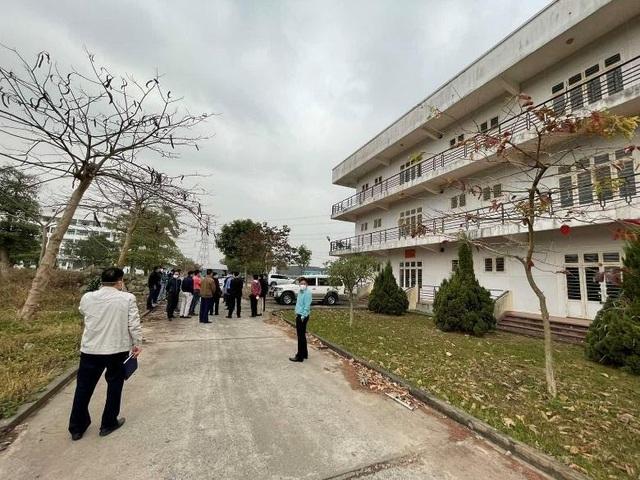 Tập đoàn Sungroup tháo dỡ thần tốc bệnh viện dã chiến tại Đà Nẵng đưa ra Hải Dương để chống dịch Covid-19 - Ảnh 5.