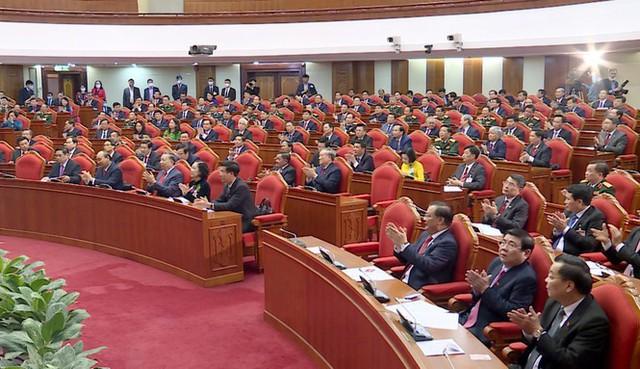 Hai Bộ trưởng Đinh Tiến Dũng và Trần Tuấn Anh được bầu vào Bộ Chính trị - Ảnh 2.