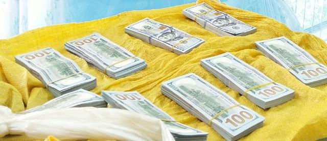 Bắt đối tượng vận chuyển hơn 86.000 USD qua Campuchia - Ảnh 3.
